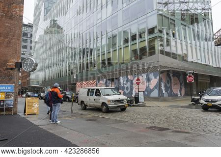 New York City,ny - April 25,2018 : Street View Of Dumbo Neighbourhood In Brooklyn In New York City ,