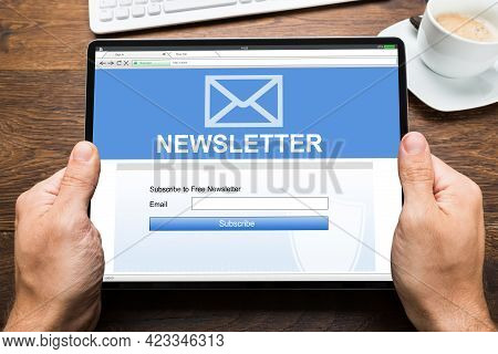 Business Newsletter Membership Subscribe. Internet Technology And Online Advertising