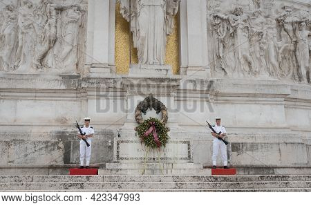 Rome, Italy - October 01 2017: Soldiers At Victor Emmanuel Ii Historic Monument, Monumento Nazionale