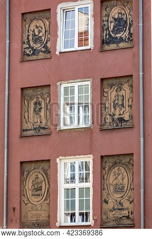 Gdansk, Poland - Sept 6, 2020: The Facade Of The Restored Gdańsk Patrician House At Long Lane In Old