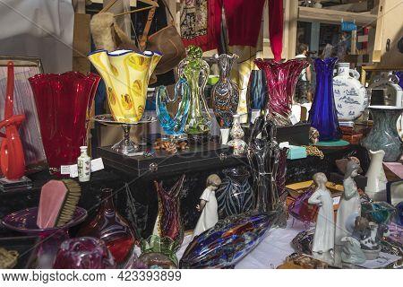 Liverpool Street, London, Uk,- 21 September 2020, Spitalfields Antique Market. Porcelain Figurines,