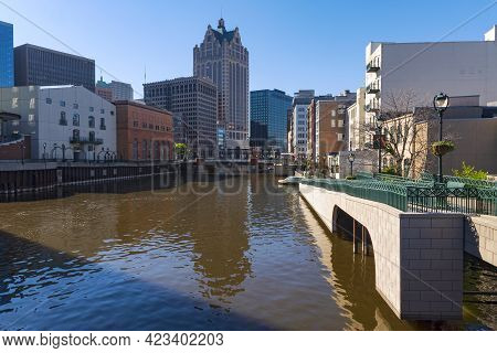 Milwaukee River Through Downtown Milwaukee From Kilbourn Street