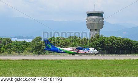 Kota Kinabalu,sabah-july 2,2019:maswings Negaraku Livery 9m-mwf,atr 72-212a 500 Aircraft Landing At