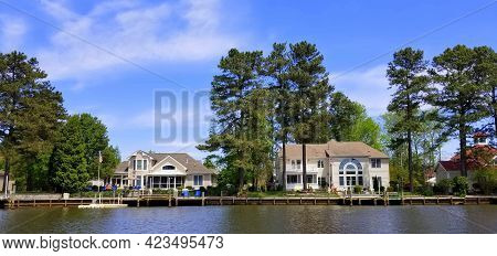 Rehoboth Beach, Delaware, U.s.a - June 6, 2021 - The Luxury Waterfront Homes By The Bay