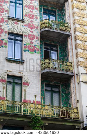 Vienna, Austria - May 22, 2019: This Is A Fragment Of The Facade Of The Majolica House (architect Ot