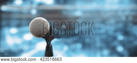Microphone Public Speaking Backgrounds, Close-up The Microphone On Stand For Speaker Speech Presenta