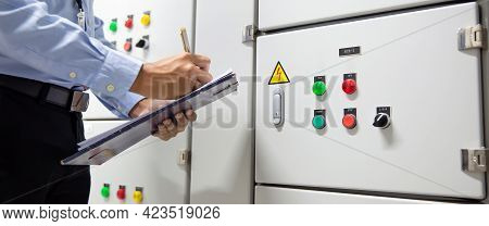 Electricity And Electrical Maintenance Service, Engineer Checking Air Handling Unit Ahu Starter Butt