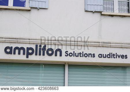 Bordeaux , Aquitaine France - 06 06 2021 : Amplifon Sign Text And Brand Logo Front Of Shop Medic Hea