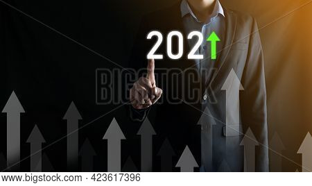 Business Development To Success And Growing Growth Year 2021 Concept.plan Business Growth Graph In Y