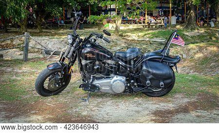 Labuan,malaysia-sept 1,2019:harley Davidson Motorcycle Parked At Layang Layangan Beach Park,labuan F