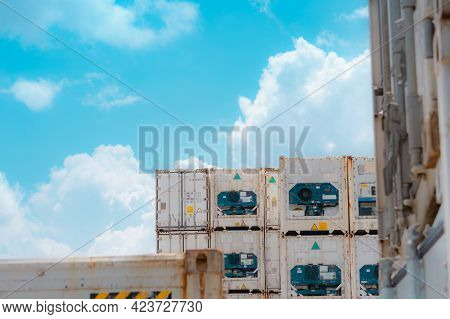 Container Logistic. Reefer For Shipping Frozen Food. Refrigerated Container For Export Logistics. Fr