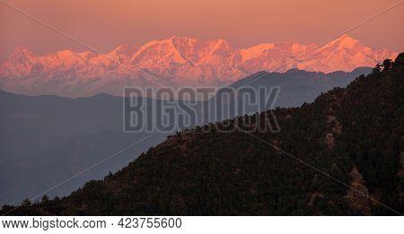 Evening Panoramic View Of Indian Himalayas, Great Himalayan Range, Uttarakhand India, View From Muss