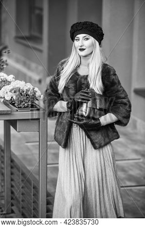 French Style Outfit. Gorgeous Model. Beautiful Winter Outfit. Chic And Trendy. Matching Different Te