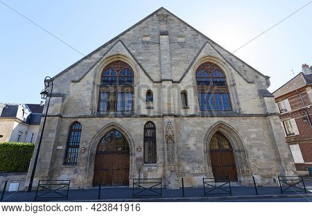 The Hotel Dieu Saint-nicolas Is Medieval Hospital, Founded By Philippe Auguste And Rebuilt By Saint-