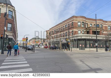 Chicago, Illinois (usa) - April 22,2018 : People Walking On The Street Of Argyle In Chicago,usa On A