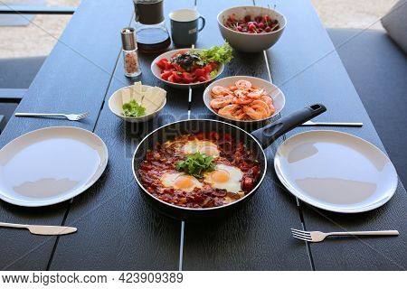 Food On The Street In Summer. Fried Eggs With Tamotami. Shrimp In Summer. Coffee With Eggs. Breakfas