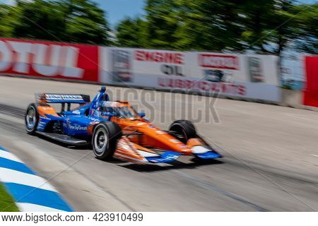 June 13, 2021 - Detroit, Michigan, USA: SCOTT DIXON (9) of Auckland, New Zealand races through the turns during the  race for the Chevrolet Detroit Grand Prix at Belle Isle in Detroit, Michigan.