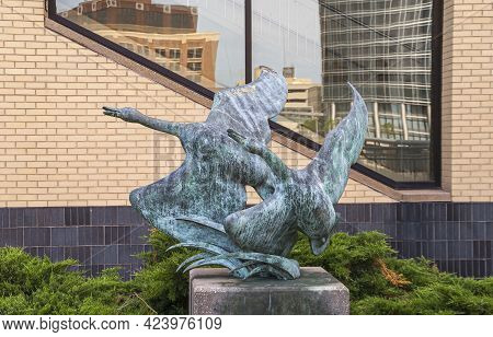 Grand Rapids, Mi, Usa - June 7, 2008: Closeup Of Flying Geese Statue Along Grand River Near Blue Bri