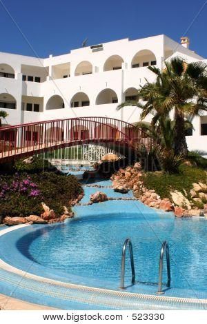 Resort 2