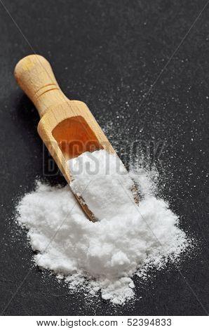Wooden Shovel With Sodium Bicarbonate