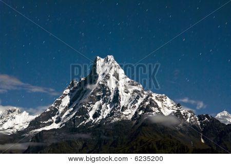 macchapucchare peak at night nepal