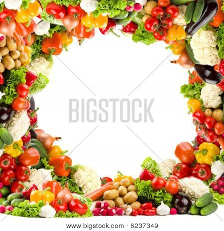 Healthy vegetable circular frame in high resolution