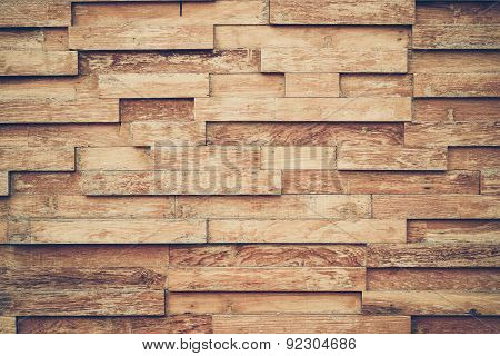 layer of wood plank arranged as a wall