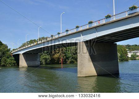 Les Mureaux France - august 8 2015 : bridge between les mureaux and meulan