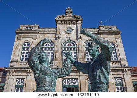 VIANA DO CASTELO, PORTUGAL - APRIL 25, 2016: Statue in front of the railway station of Viana do Castelo, Portugal