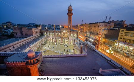 Sunehri Mosque is an old and historic mosque in Peshawar Pakistan