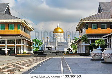 The Sultan Omar Ali Saifuddin Mosque in Bandar Seri Begawan - Brunei poster