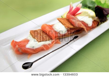 Smoked salmon on  pastry crust