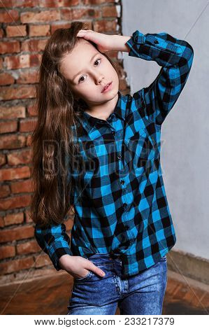 Fashion Model Tests Young Caucasian Adolescent Woman.portrait Fashion Beautiful Teen Girl 9-12 Years