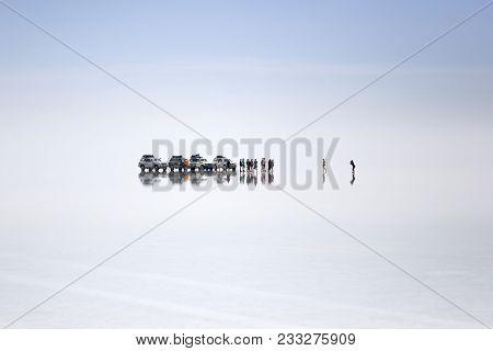 Salar De Uyuni, Bolivia - January 13, 2018: Expedition At Salar De Uyuni In Bolivia. It Is The World