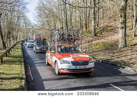Cote De Senlisse,, France - March 5, 2017: The Technical Car Of Lotto-soudal Team Driving In The Car