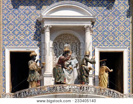 VENICE, ITALY - MAY 28 : Procession of three Magi and Angel on the St Mark`s Clock tower Torre dell`Orologio on Piazza San Marco, Venice, Italy, UNESCO World Heritage Sites on May 28, 2017.