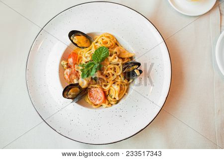Spaghetti With Mussels Seafood. Soba Noodles With Shrimps And Vegetables. Asian Food. Pasta With Sea