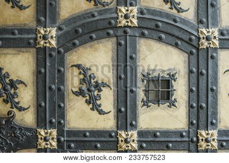 Detailed Fragment Of Ancient Door Decoration Of Famous Neues Rathaus (new City Hall) Building In Mun