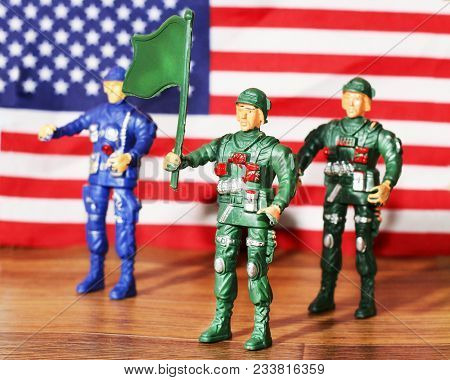 Toy Soldiers Plastic For Boys, American Army, Flag