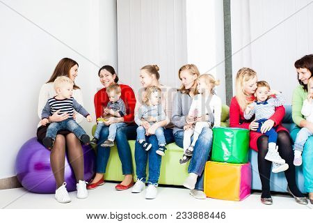 Meeting Of Mothers And Toddlers, Pleasure Comutication