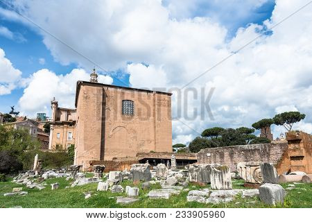 Rome, Italy, March 07, 2018: Horizontal Picture Of Ancient Building In Roman Forum In Rome, Italy