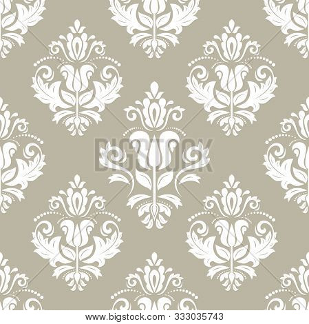 Classic Seamless Vector White Pattern. Damask Orient White Ornament. Classic Vintage Background. Ori