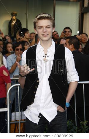 LOS ANGELES - JAN 23: Kenton Duty at the premiere of 'Gnomeo & Juliet'  on January 23, 2011 in Los Angeles, California