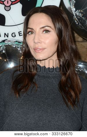 LOS ANGELES - NOV 6:  Whitney Cummings at the Love Leo Rescue 2nd Annual Cocktails for A Cause at the Rolling Greens on November 6, 2019 in Los Angeles, CA