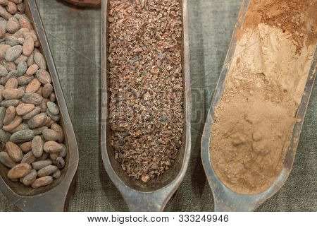 Cacao Nibs. Cocoa Bean & Chocolate Powder