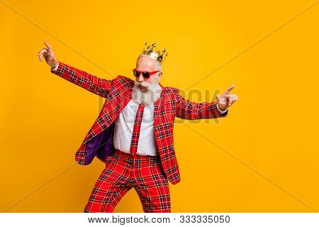 Photo Of Cool Look Grandpa White Beard Vip Guy Dancing Strange Youth Moves Little Drunk Wear Crown S