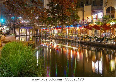 San Antonio, Tx, Usa - Dec. 11, 2018: San Antonio River Walk Near Alamo Between E Crockett St And E