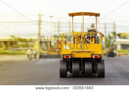 Driver Control Motor Vehicle Or Heavy Roller Wheel Tires Or Steamroller For Road Making Or Street -