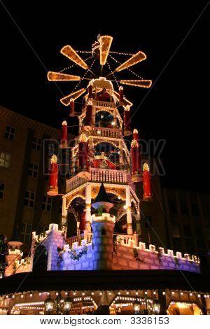 Christmas Market - MäRchen-Weihnachts-Pyramide Auf Dem Weihnachtsmarkt In Kassel