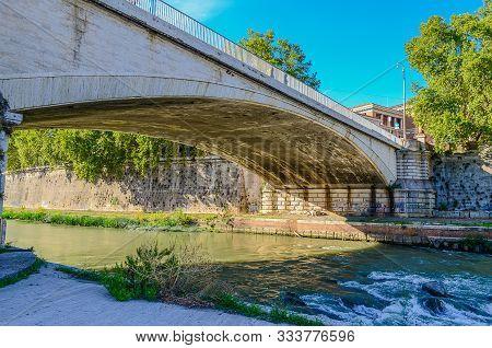 Ponte Garibaldi Is A Bridge That Links Lungotevere De Cenci To Piazza Guiseppe Gioachino Belli In Ro